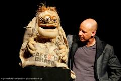 Benjamin Tomkins, der Puppenflüsterer - King Kong und die weiße Barbie. 15.01.2017. Audimax, Uni Hildesheim.